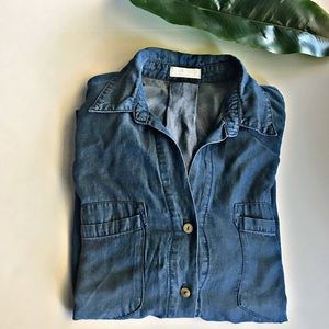 👚Just living chambray denim button up top